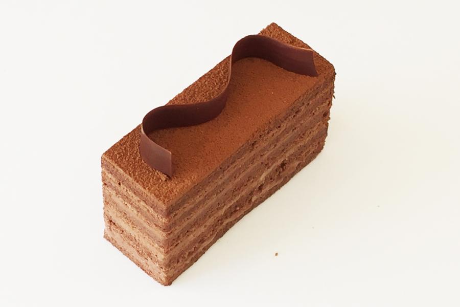 大人のためのチョコレートケーキの商品写真