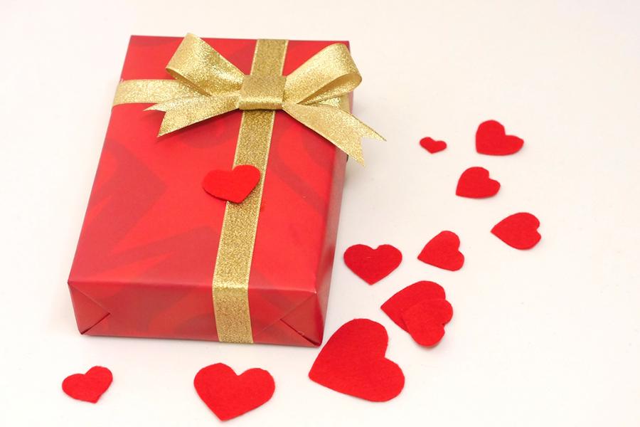 気持ちを伝える贈り物のイメージ写真
